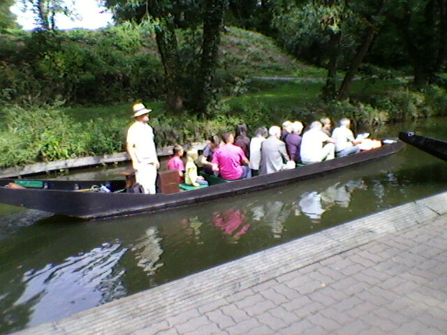 Taking a Septemnber boat trip to see Les Hortillonages